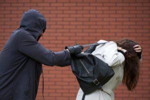 Man stealing purse